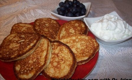 Low-GI-recipes_Oatmeal-Pancakes-plain.jpg